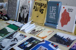 Комната городского самиздата. Выставка Галереи «Солянка» на 32-й ММКВЯ.