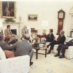 Рональд Рейган и Андрей Вознесенский в Белом Доме