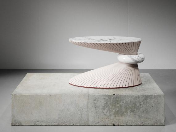 Стол «Focus». Дизайнер Тарас Желтышев для Mrs Ruby. Предоставлено: © Галерея «Эритаж».