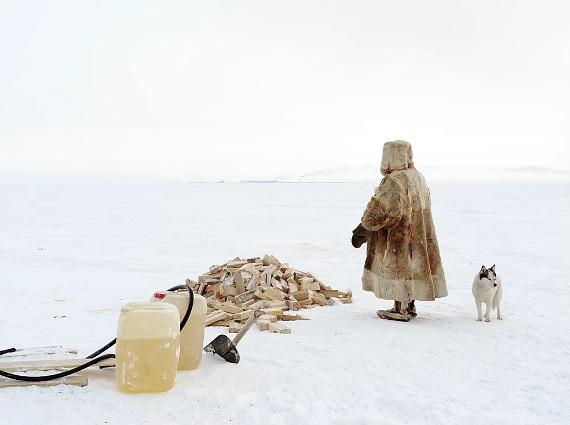 "Фотовыставка ""Шарль Ксело. There is gas under the tundra"". Галерея JART."