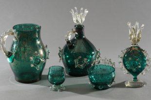 Влюбленная жаба и другие. История цвета в предметах искусства и растениях.