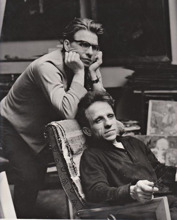А.П. Ткачев и С.П. Ткачев в мастерской. Предоставлено: Российская Академия Художеств.