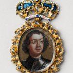 Знак наградной с портретом Петра I