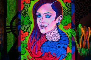 А портрет повесим здесь! Онлайн выставка Галереи ЗДЕСЬ на Таганке.
