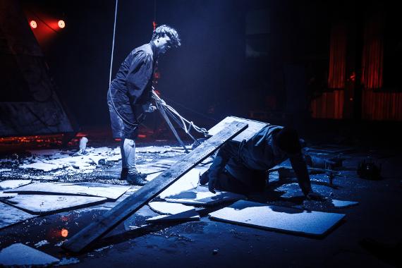 Спектакль «Утопия» Санкт-Петербургского театра АХЕ. Предоставлено: Фестиваль MOST.