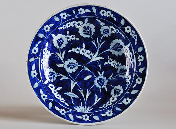 Блюдо. Изник, середина - третья четверть XVI века. Предоставлено: Государственный Музей Востока.