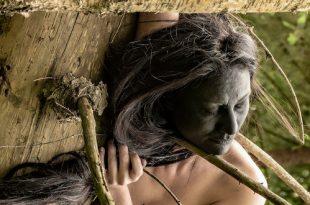 Персональная фотовыставка-акция Лизы Эшва Урбантело женщины Стихии ТК Галерея Печатники
